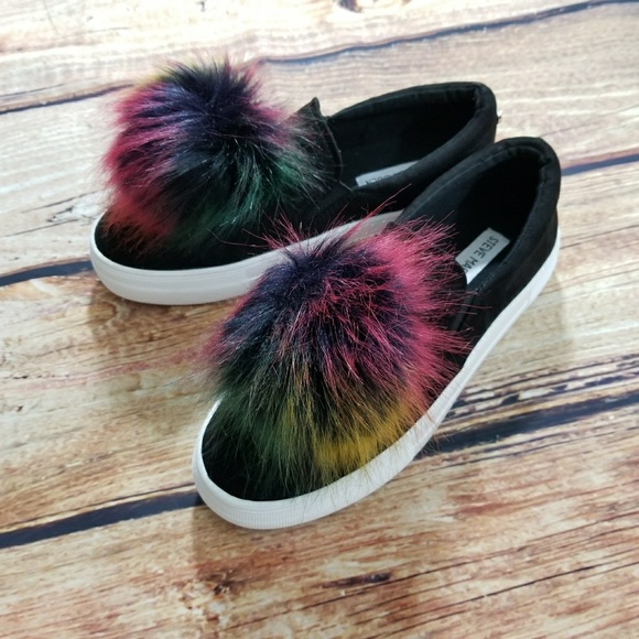6f21ab36f11 Steve Madden Great Multi Pom Pom Faux Fur Shoe 7M NWT